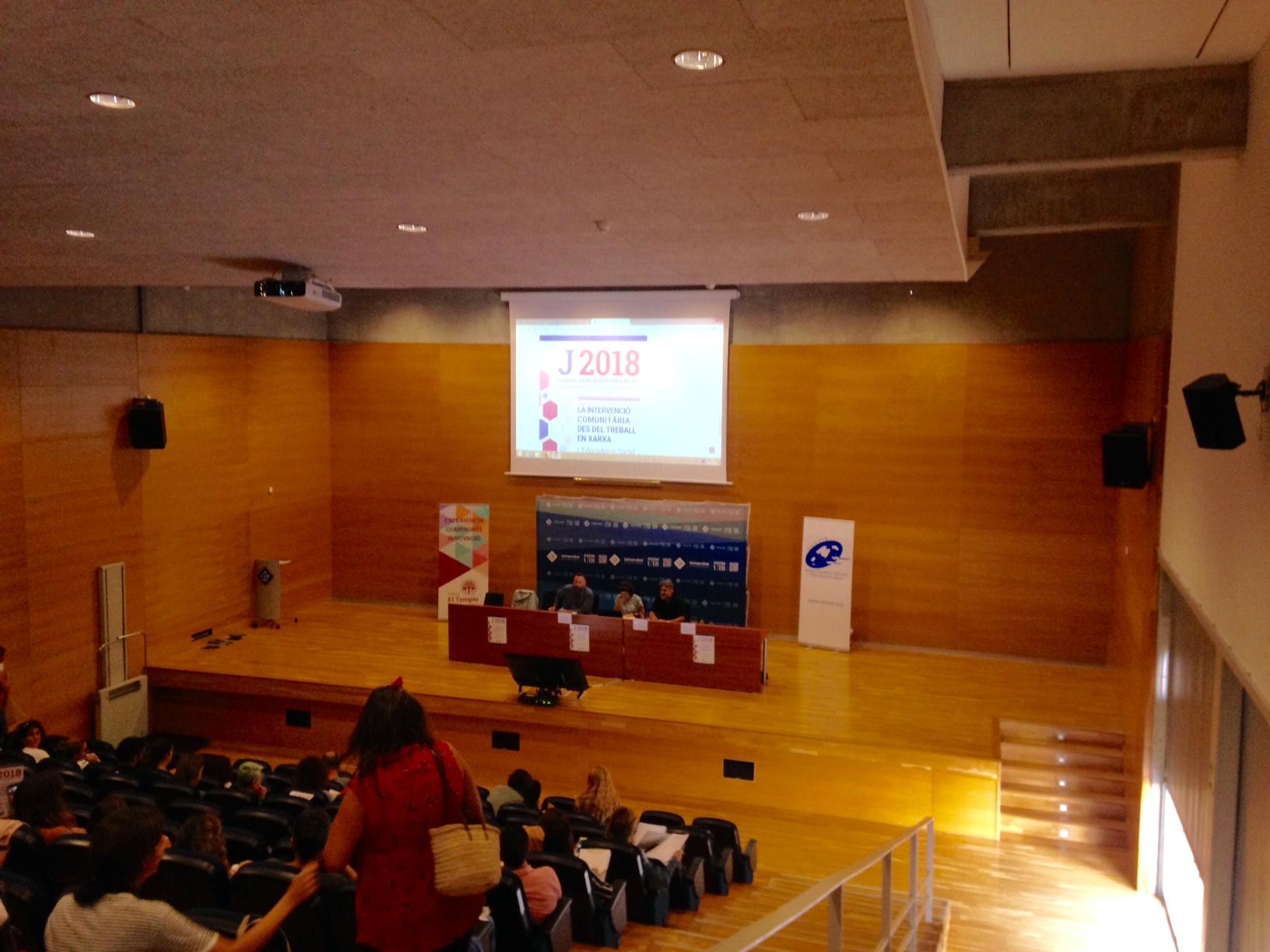 Acte d'inauguració: consellera de Serveis Socials i Cooperació, degà de la Facultat d'Educació de la UIB i president del CEESIB